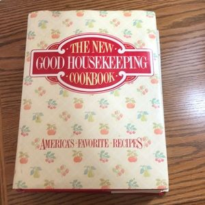 The New Good Housekeeping Cookbook Hard Cover 1986